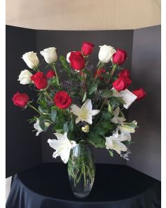 18 Roses and Lilies